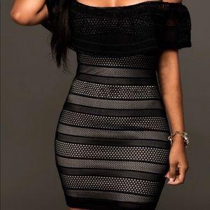 Dresses & Skirts - NWT petite mesh dress